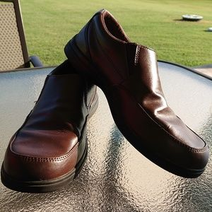 Boys Hush Puppies Dress Shoes Sz. 7 WIDE